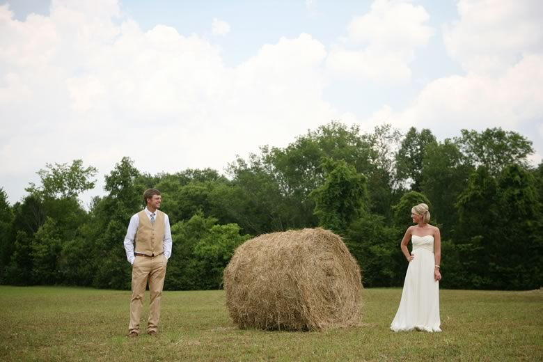 vintage-rustic-backyard-wedding (36)