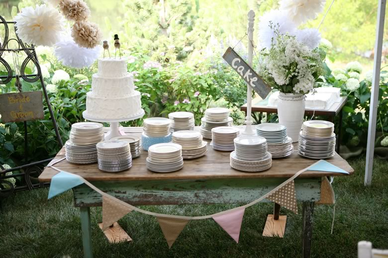 Vintage Backyard Wedding Ideas | Outdoor Goods