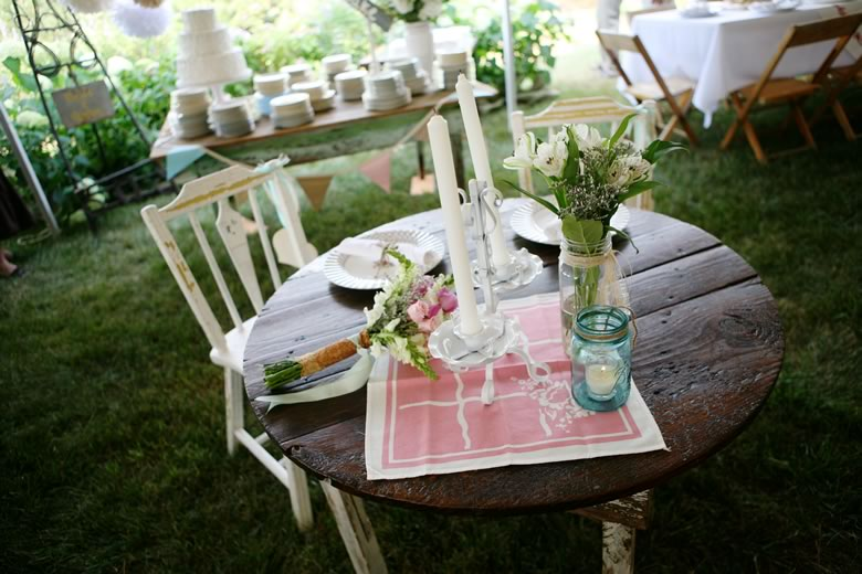 vintage-rustic-backyard-wedding (8)