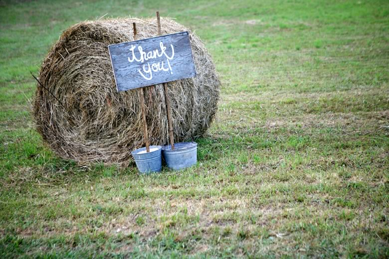 vintage-rustic-backyard-wedding (1)